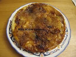 cuisiner les c es frais tarte tatin à l oignon et au fromage de chèvre frais mille et une