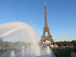 paris la tour eiffel away with joanna