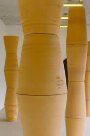 decoration avec des pots en terre cuite galerie sultana one way wahine
