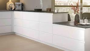 cuisine meubles bas meuble bas le rangement à la portée de chacun mobalpa