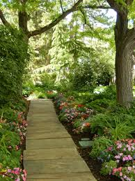 tips for how to do it yourself landscape your home in the garden