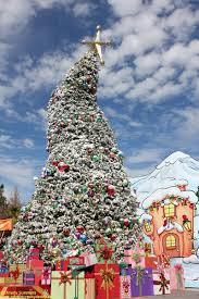 Universal Studios Christmas Ornaments - universal studios hollywood grinchmas opens and honors florence
