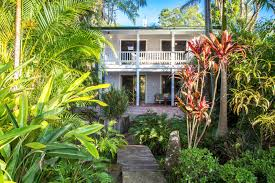 byron beach house ed silk byron bay