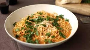 spaghetti with sicilian pesto