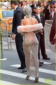 topless pictures of rihanna rihanna u0027s stylist talks her u0027so naked u0027 dress at cfda awards