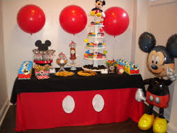 DIY How to Decorate a Table Cake for Mickey Mouse Clubhouse Themed
