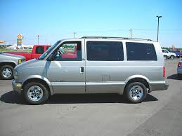 nissan safari lifted 2002 gmc safari information and photos zombiedrive