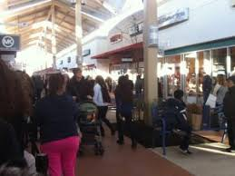 what nj malls are open on thanksgiving