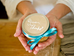 thanksgiving table favors how to make pie in a jar party favors hgtv