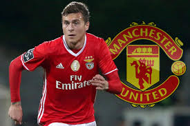 manchester united close in on benfica defender