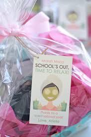 Teacher Gift Basket End Of Year Teacher Gift Ideas Project Nursery