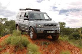 land rover discovery 4 off road bafokeng march 8 silver land rover discovery 4 sdv6 s crossing