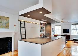 hotte cuisine plafond 21 idées de cuisine pour votre loft cuisine contemporaine