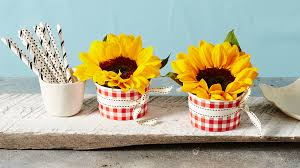 sunflower centerpiece these sunflower centerpieces will brighten up your breakfast table