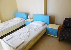 chambre d h e arcachon hotel saranda à partir de 20 hôtels à sarandë kayak