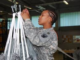 hairstyles for female army soldiers new army regulations ok dreadlocks for female soldiers