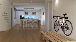cool bike rack portabici da muro da interni di design