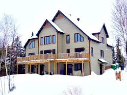 chalet a louer 4 chambres condos modernes 2 3 ou 4 chambres chalet à louer st faustin lac