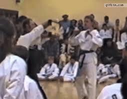 imagenes gif karate karate demonstration headshot best funny gifs updated daily