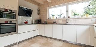 carrelage pour sol de cuisine comment doivent être utilisés les joints pour le carrelage