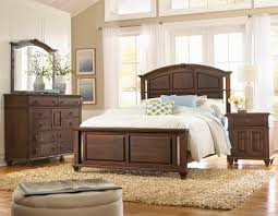 Rugs For Bedrooms by Bedroom Leather Bed By Craigslist Bedroom Sets With Rug And White
