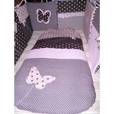 decoration chambre fille papillon tour de lit gigoteuse étoiles papillons réalisés selon vos