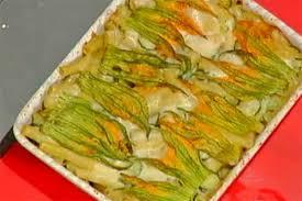 primo piatto con fiori di zucca ricetta timballo di pasta zucchine e fiori di zucca antonella