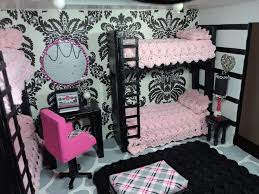 Monster High Bedroom Accessories by Best 25 High Beds Ideas On Pinterest Dorm Bunk Beds College
