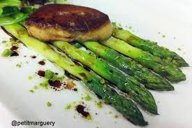cuisine asperges vertes recette asperges vertes et foie gras de canard poêlé la recette facile