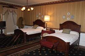 welcome to the excelsior house hotel in jefferson texas