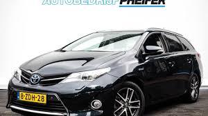 toyota lease toyota auris touring sports touring sports 1 8 hybrid lease xenon