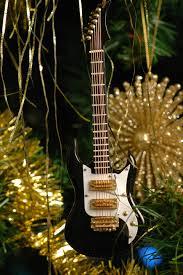 sumptuous guitar tree ornaments for chritsmas decor