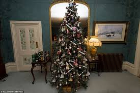 Christmas Decorations And Trees Uk by Welsh Couple Put A Christmas Tree In All 52 Rooms Of Their Country