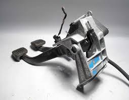 bmw 2008 2013 manual transmission clutch pedal assembly w cylinder