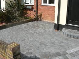 image of a driveway completd in circle pattern using a classico