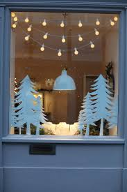 Diy Christmas Lights by Best 10 Christmas Window Decorations Ideas On Pinterest Window