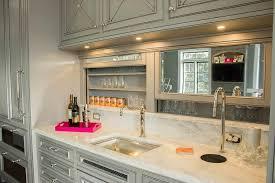 Wet Bar Mirrored Backsplash Design Ideas - Bar backsplash