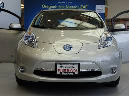 nissan leaf used seattle nissan leaf electric car reports own battery cell failure via carwings