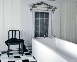 black white vintage bathroom decor