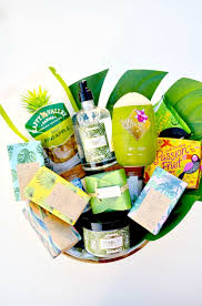 Mother S Day Gift Basket Ideas Tropical Mother U0027s Day Gift Basket Idea That Mom Will Love Make