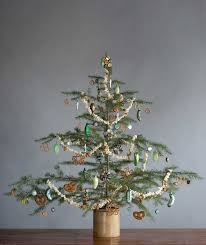 how to decorate a christmas tree from start finish the easy way