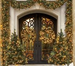 Christmas Decorating Front Entrance by 94 Best Christmas Door Decor Images On Pinterest Merry Christmas