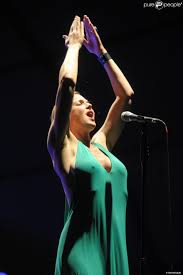 storm large pink martini et sa chanteuse storm large en concert à milan le 16