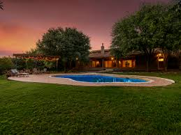 Outdoor Entertaining Spaces - these 6 homes might have austin u0027s most luxurious outdoor