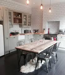 table cuisine blanc cuisine industrielle l élégance brute en 82 photos exceptionnelles