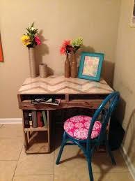 Diy Easy Desk Diy Small Desk For Bedroom 5 Easy Wooden Pallet Desk Ideas Diy