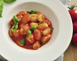 cuisiner les gnocchis recette gnocchis à la tomate fraîche