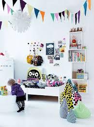 dessin mural chambre fille déco mur chambre fille étagère dessins et stickers