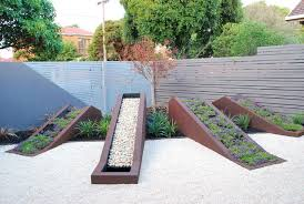 15 interesting designs for a container garden garden pics and tips