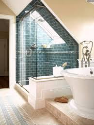 badezimmern ideen ideen badezimmer mit dachschräge blau backstein